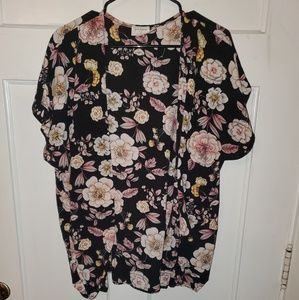 Floral Black flowy open blouse